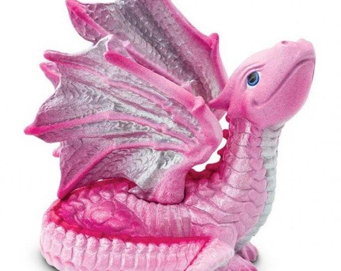 Safari Ltd 10142: Dragons - Baby Love Dragon - Purchasing Collective