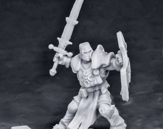 77550: Crusader Swordsman (Attacking) - Reaper Miniatures