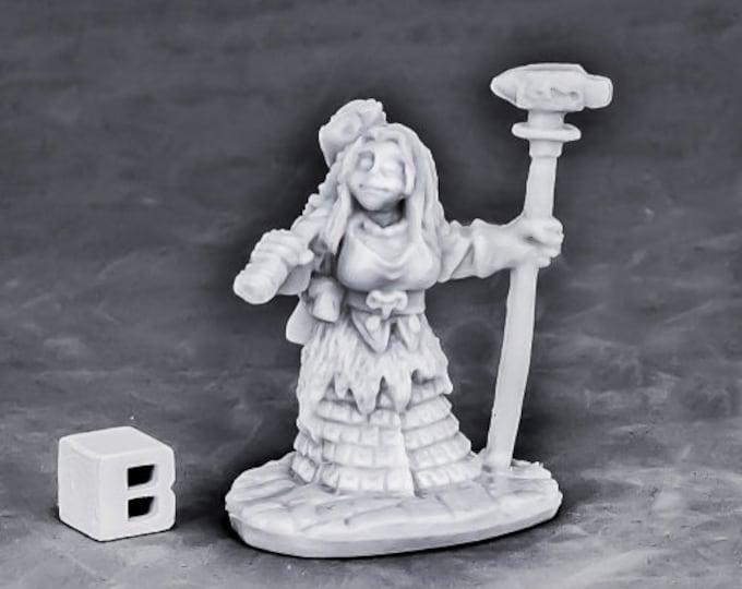 77571: Dwarf Forge Priestess - Reaper Miniatures