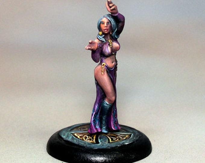10050: Celeste the Sorceress - Bombshell Miniatures
