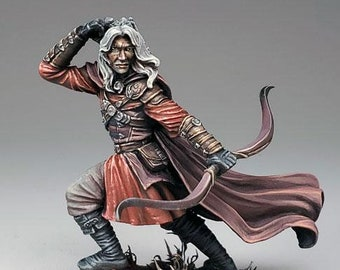 DSM7496: Visions In Fantasy - Male Ranger with Bow (2019) - Dark Sword Miniatures