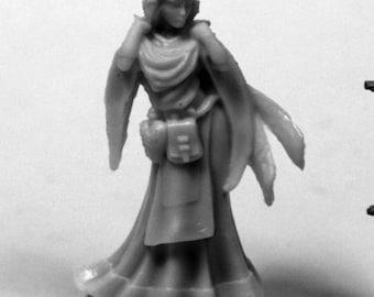 Ostarzha, Elf Cleric - 77441 - Reaper Miniatures