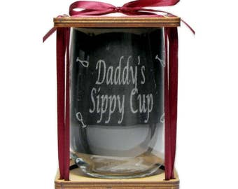 Daddy's Sippy Cup - 360 Degree Engraved Glass - Stemless, Permanently Etched - Unique Gift!