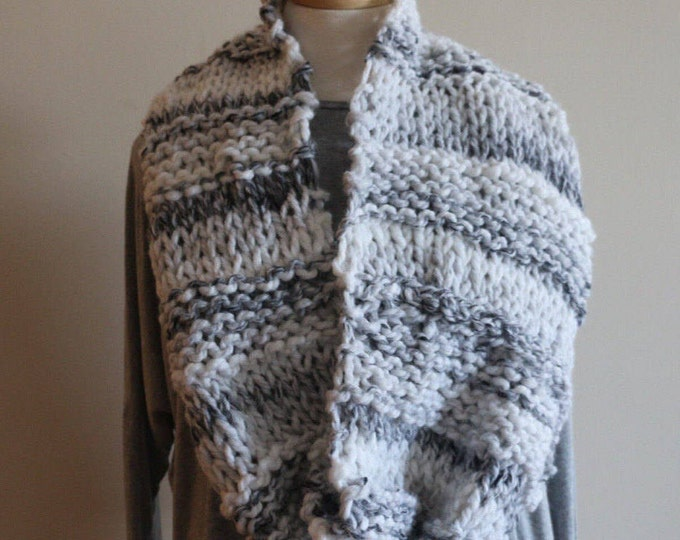 Knitted Cowl // Style // Beehive