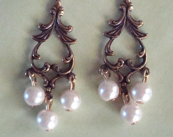 Pearl and antique gold earrings, pearl drops, white pearls, hypo allergenic, chandalier earrings