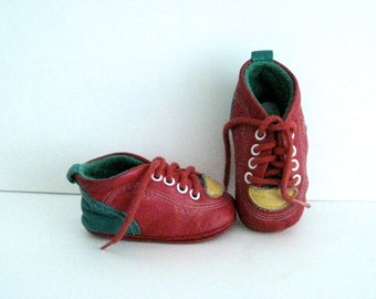 Vintage Leather Red Baby Shoes Made in Spain Cuquito Espagne