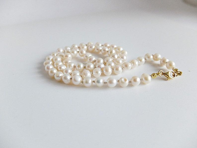 f2d665e16a7f7 Classic white Pearl choker necklace