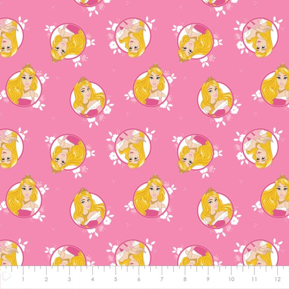 Disney Beauty and the Beast Belle in Wreaths on Light Yellow From Camelot Fabric/'s Forever Princess Collection 100/% Cotton