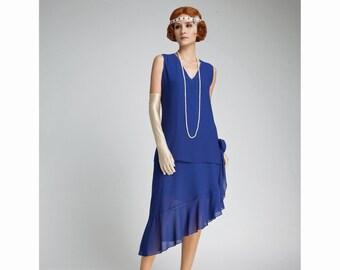 d45fe687021 Robe de Gatsby le magnifique avec jupe asymétrique en bleu foncé