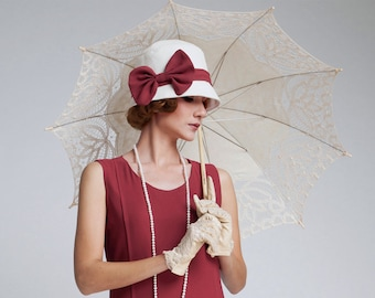 A simple and beautiful cloche hat in off-white cotton and maroon chiffon