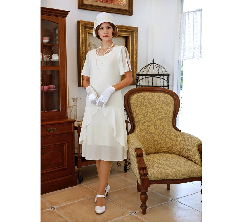 1920s Style Dresses, 20s Dresses 1920s high tea dress in cream with sweetheart neckline Gatsby dress flapper dress Downton Abbey dress Lady Mary dress Charleston dress $135.00 AT vintagedancer.com