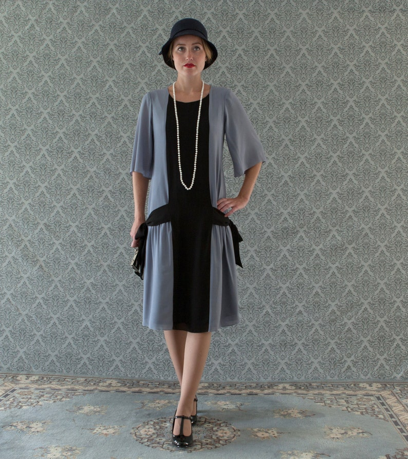1920s Fashion & Clothing | Roaring 20s Attire Fun grey and black flapper dress with side bows 1920s flapper dress Great Gatsby dress art deco dress Miss Fisher dress robe Charleston $140.00 AT vintagedancer.com