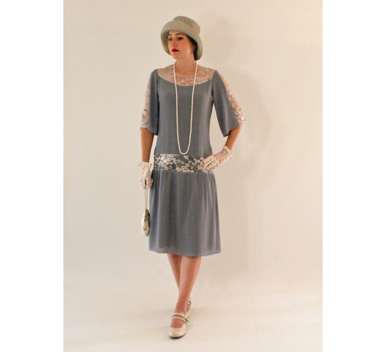 814c4d145a Grey Great Gatsby dress with elbow-length sleeves 1920s