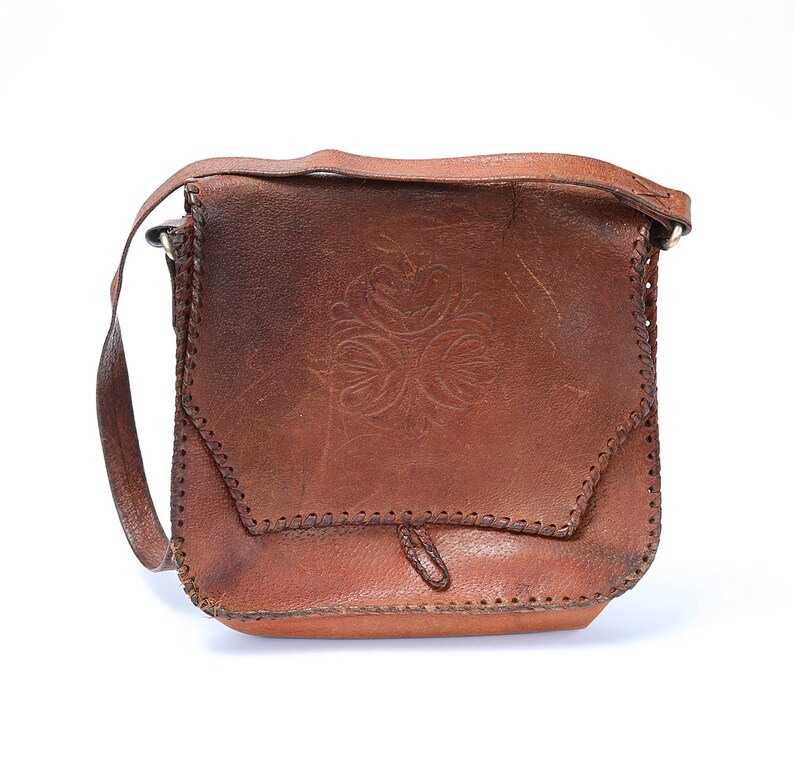 6ab5256bea5cb Vintage punziert Leder-Handtasche 70er Jahre Frau Retro