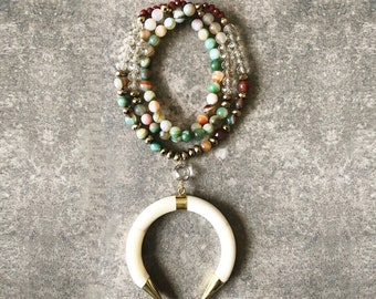 Green Beaded Necklace / Horn Statement Necklace / Crescent Horn Necklace / Green Statement Necklace / Agate Necklace / Green Necklace
