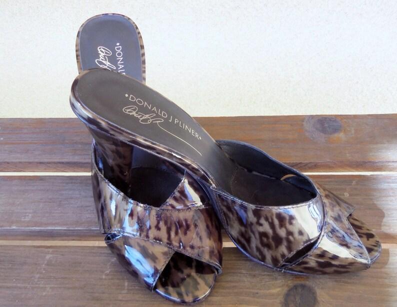 11d652e9841e Leopard Heels Sandals Shoes Size 7 Donald J Pliner Feigel