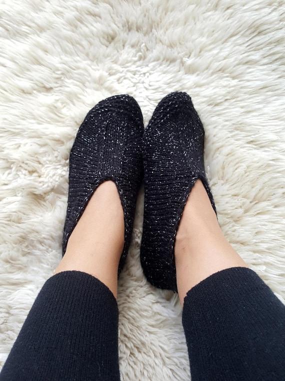 6a072703ed756 Tricot chaussons noirs avec des étincelles argent