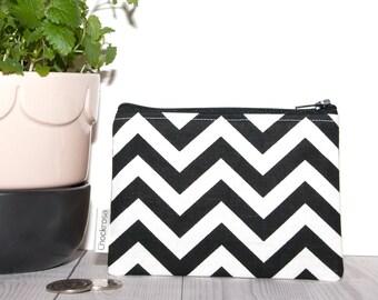 Chevron Black and White Coin purse, Small zipper pouch, Zippered Pouch, Zipper coin purse, Zippered coin pouch, Change purse, change pouch