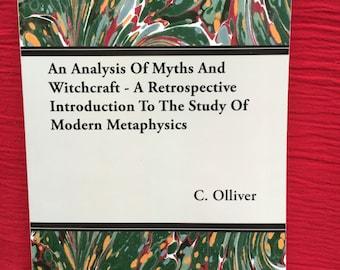 Un vieux livre sur les mythes, la sorcellerie et occulte