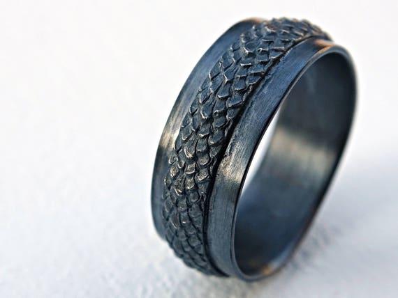 Breed Dragon Schaal Ring Zilver Veer Ring Middeleeuwse Trouwring Zwart Zilver Heidense Trouwring Slang Huid Ring Zwart Zilver Draak Ring