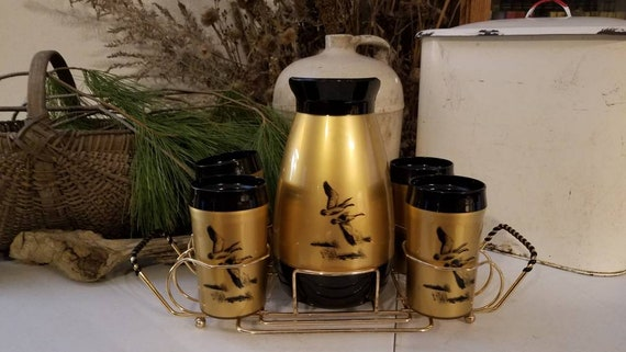 Thermo Serv Carafe with 4 Matching Tumblers In a Gold Tone Caddy, Carafe Tumbler Set by Thermo Serv