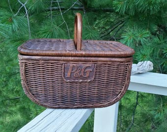 P & G Wicker Picnic Basket