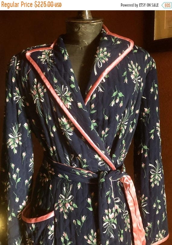 SALE 1940s Rayon Floral Dressing Gown M