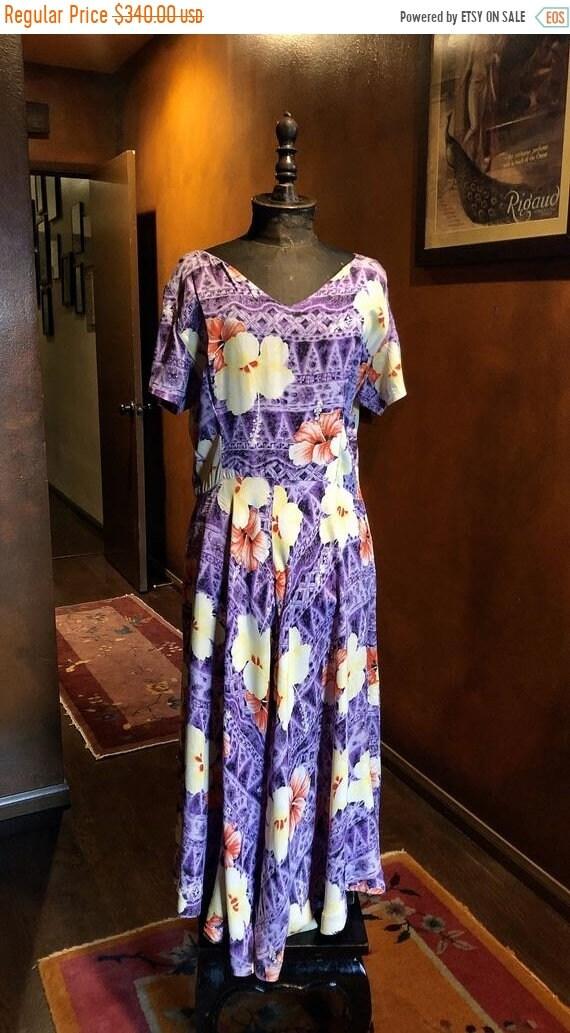SALE 1940s Hawaiian Tapa Print Rayon Dress L
