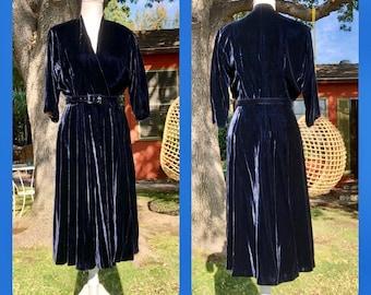 1940s Glamorous Blue Rayon Velvet Dress M
