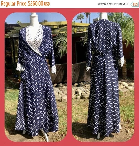 SALE 1940s Cold Rayon Polka Dot Dressing Gown L