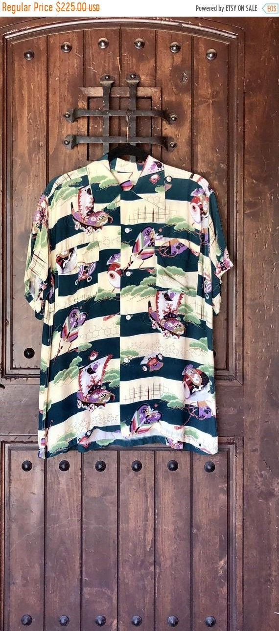 SALE 1940s Rayon Crepe Asian Hawaiian Shirt L