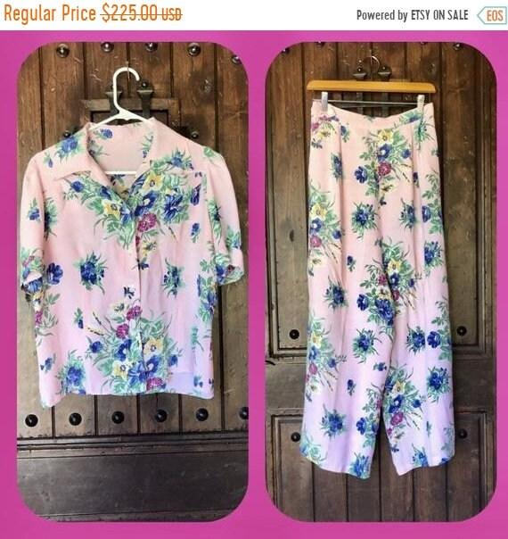 SALE 1930s 40s Cold Rayon Floral Pajama set M