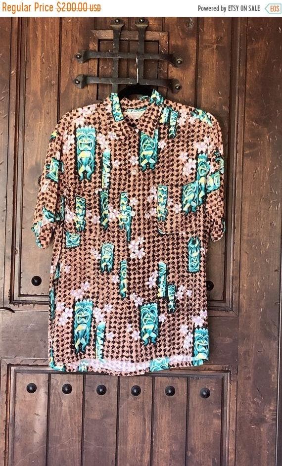 SALE 1950s Penneys Hawaiian Rayon Tiki Shirt M/L