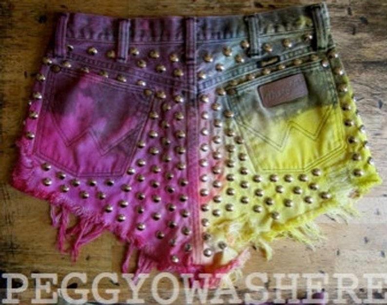 30 waist Vintage 1970/'s Wrangler Highwaist cutoff shorts studs strawberrylemonade