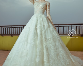 ORIENTAL FLORALS Crystal-Embellished Wedding Dress
