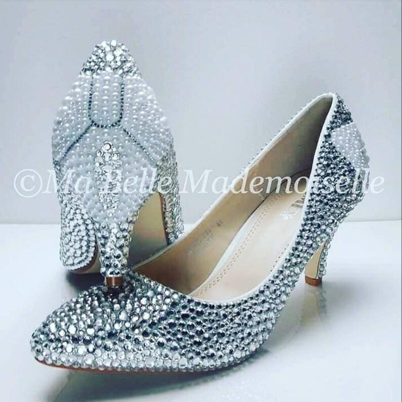 8f782252b8bb Della scarpa di Ellie Pearl arco nuziale di cristallo Bow