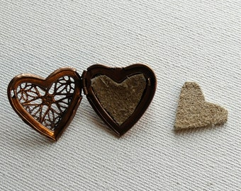 RTS Aromatherapy Antique Copper Heart Locket Pin Gift, Copper EO Locket Diffuser w/Heart Leather Disks, Copper Heart Brooch Easter Pin Gifts