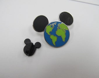Disney Global-World Collectors Pin W #659
