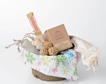 Gift Basket for Cats - Santa Sized! Filled to the brim with fun natural cat toys. Cute eco packaging makes this a sweet gift for any kitty!.