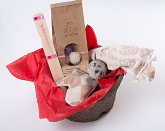 Holiday Gift Basket for Cats: Contains Organic Wool Cat Balls and Organic Catnip Cat Toys.