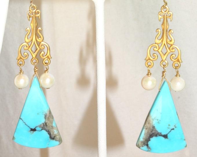 STRIKING ARIZONA TURQUOISE Earrings wth Pearls