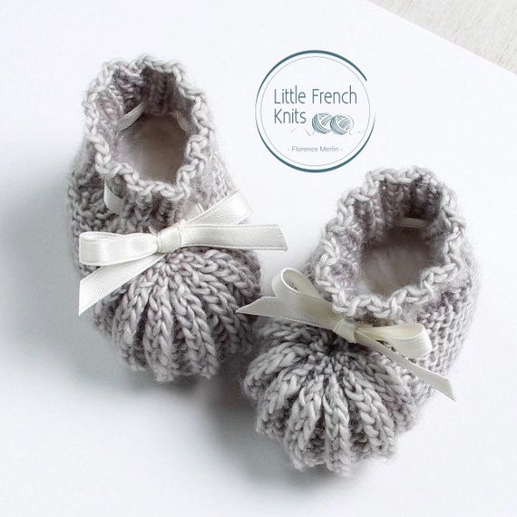 Baby Booties / Knitting Pattern Baby Instructions in French / Instant Digital Download PDF / Size Newborn - 3 months