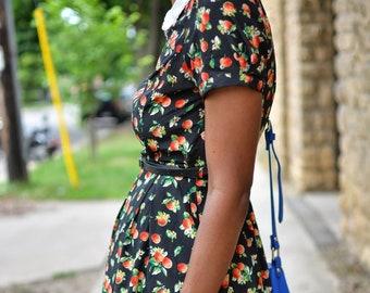 Vintage Perforated Peter Pan Collar Apple Patterned Spring Summer Dress - Size Medium