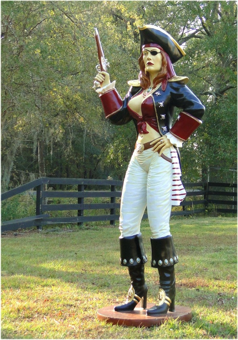 Pirate With Two Gun Royalty Free Stock Photo - Image: 36020445