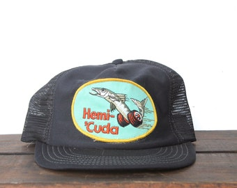 10110f39872 Vintage Trucker Hat Snapback Hat Baseball Cap Funny Hemi Cuda Fish Plymouth  Barracuda Mopar Dodge Chrysler Engine Muscle Cars pxq