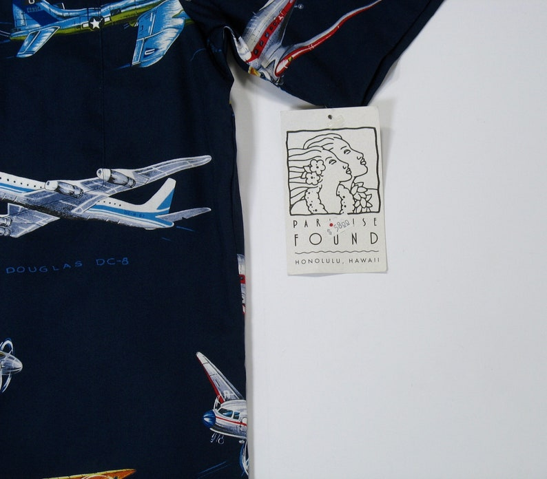 New Vintage Paradise Found Hawaiian Shirt M 80s airplane theme pilot flying flight Navy Blue button up short sleeve magnum pi NWT tropical