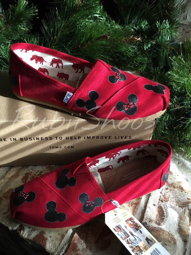 13503e78 Women's Mickey Mouse And Minnie Mouse Heads Red Toms   Etsy
