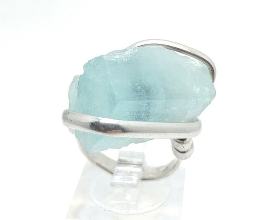 Raw Uncut Bright Blue Aquamarine Crystal Stone Ring Sz 7 in Hammered Sterling Silver March Birthstone Jewelry
