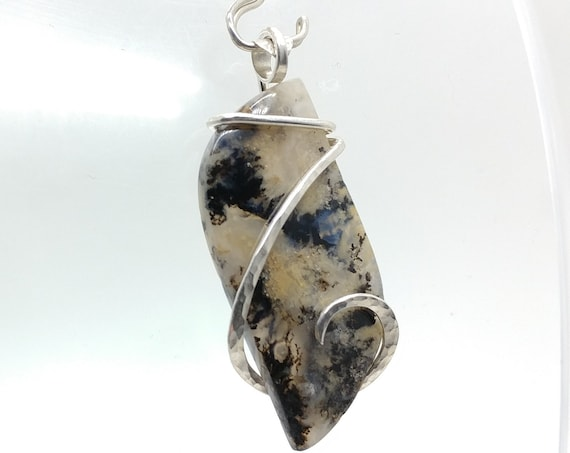 Tan & Black Sheep Creek Ranch Plume Moss Agate Stone Pendant Necklace in Hammered Sterling Silver Mined in Oregon