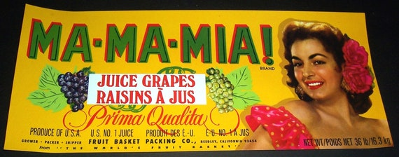 CRATE LABEL VINTAGE FRUIT GRAPES WINE TOUCHDOWN FOOTBALL FRESNO 1970S